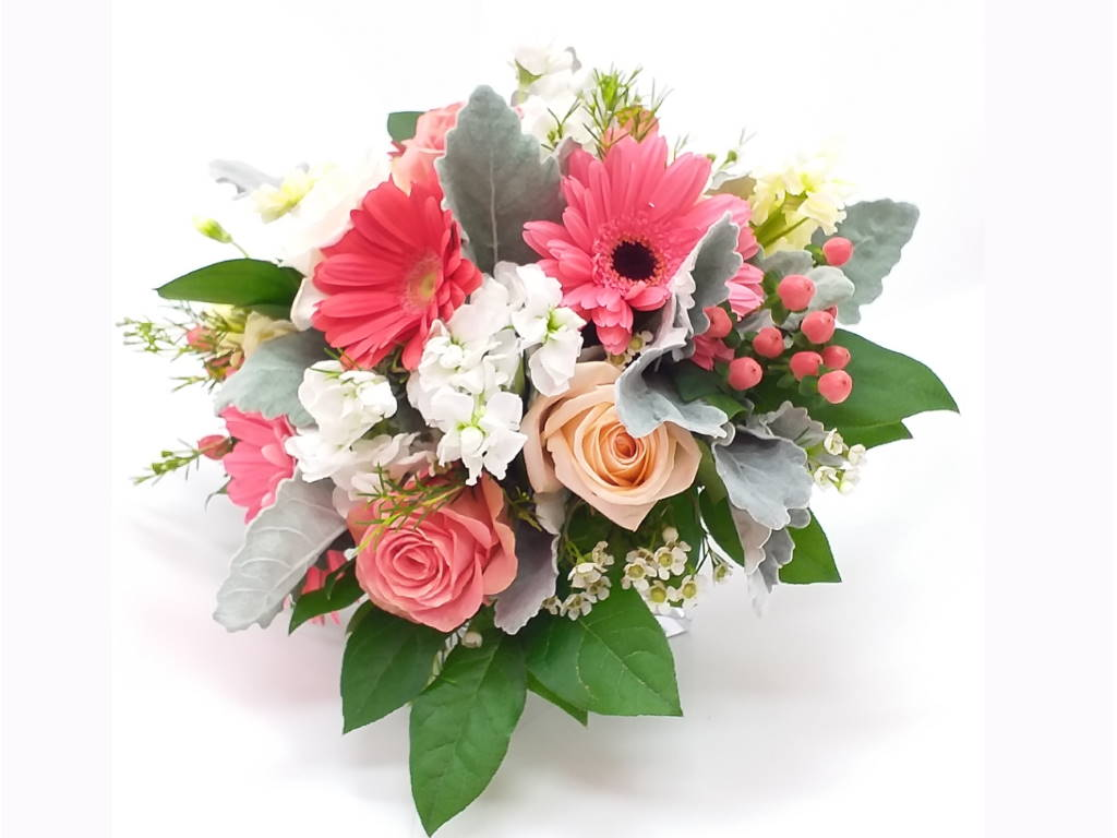 Beluga Bay Flower Bouquet